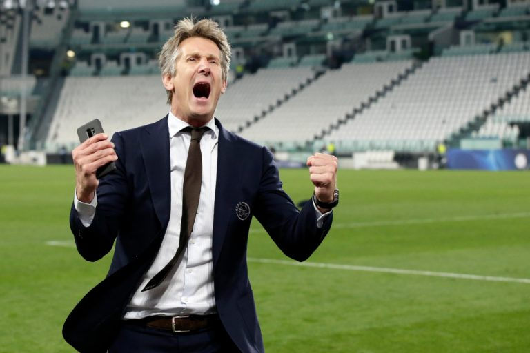 How a goalkeeper became a key figure at Ajax; 3 years of Edwin van der Sar as CEO