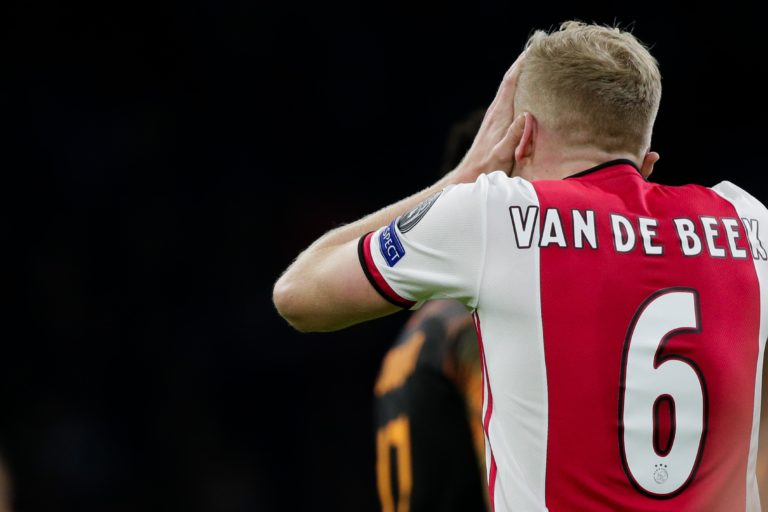 "Van de Beek: ""It would be really stupid if we throw everything away in such a short period"""