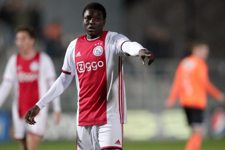 Official: Ajax loans out Hassane Bandé to Swiss club