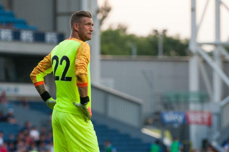 Maarten Stekelenburg returns to Ajax
